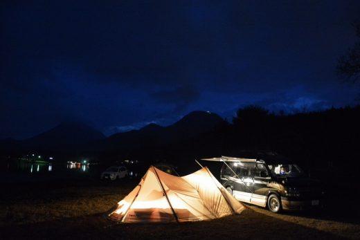 キャンプ テント アメ車